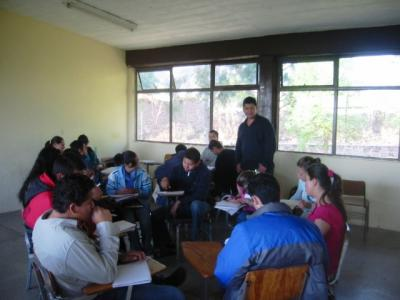 Sobre las clases aburridas misioncultural for Actividades divertidas para el salon de clases